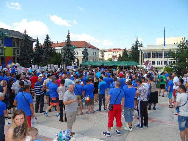 Hundreds of Tenaris workers protest in Romania | IndustriALL