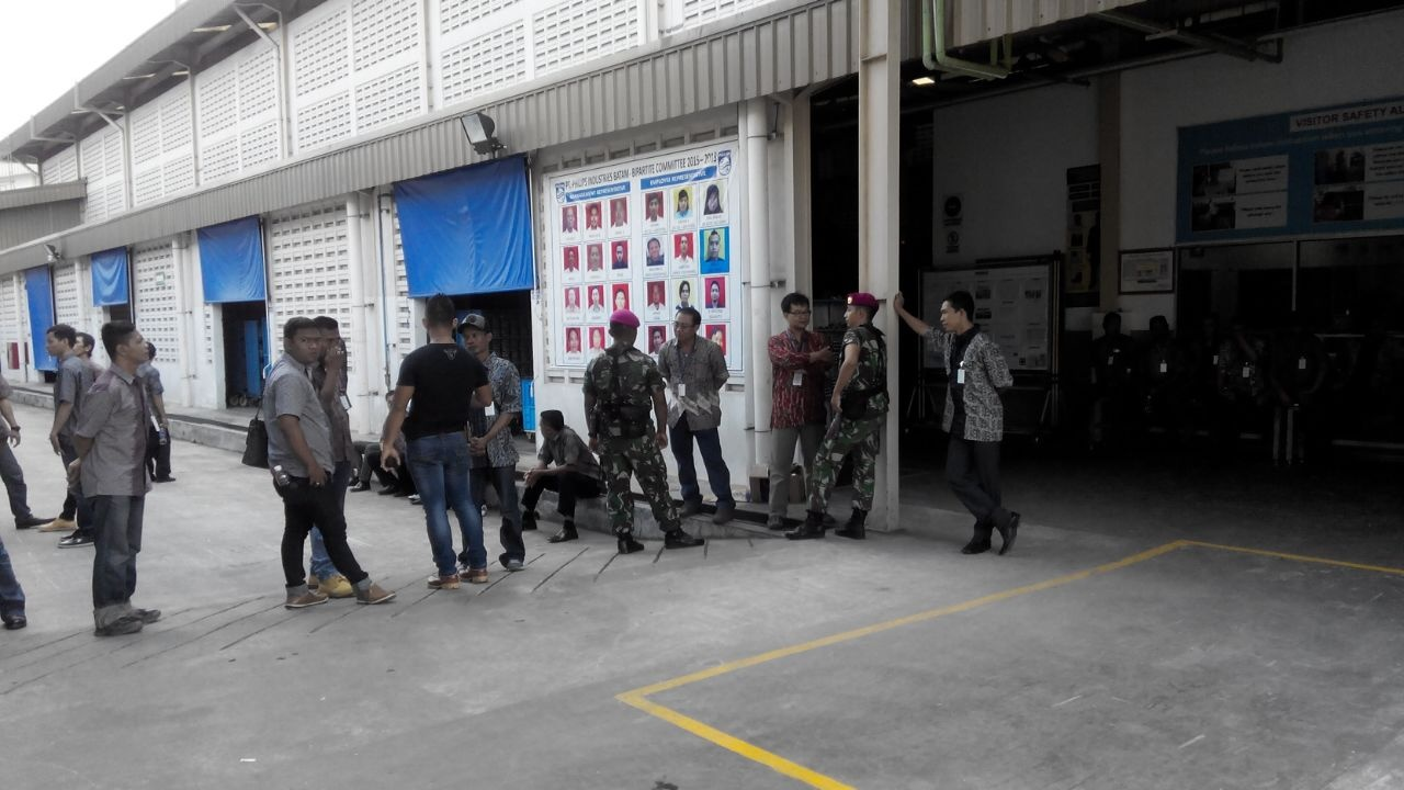 Indonesian workers strike against Philips union busting