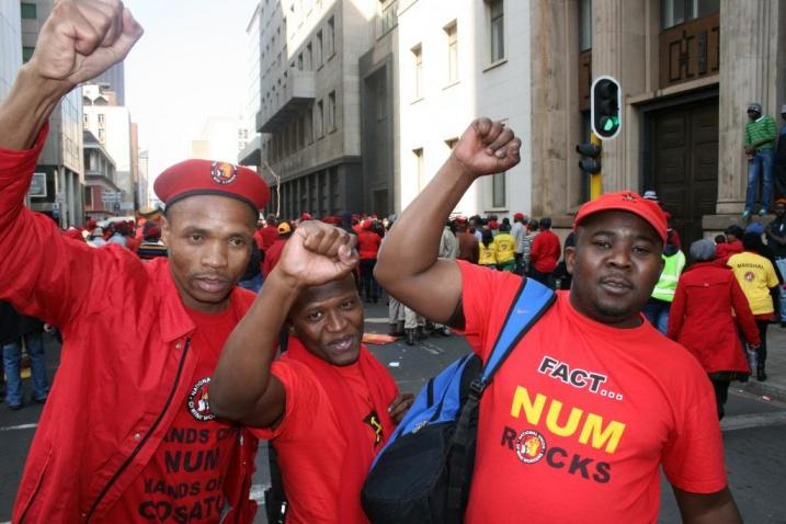 Члены NUM во время демонстрации. Фото: NUM