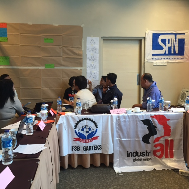 Indonesia: low wages in the textile and garment industry undermine