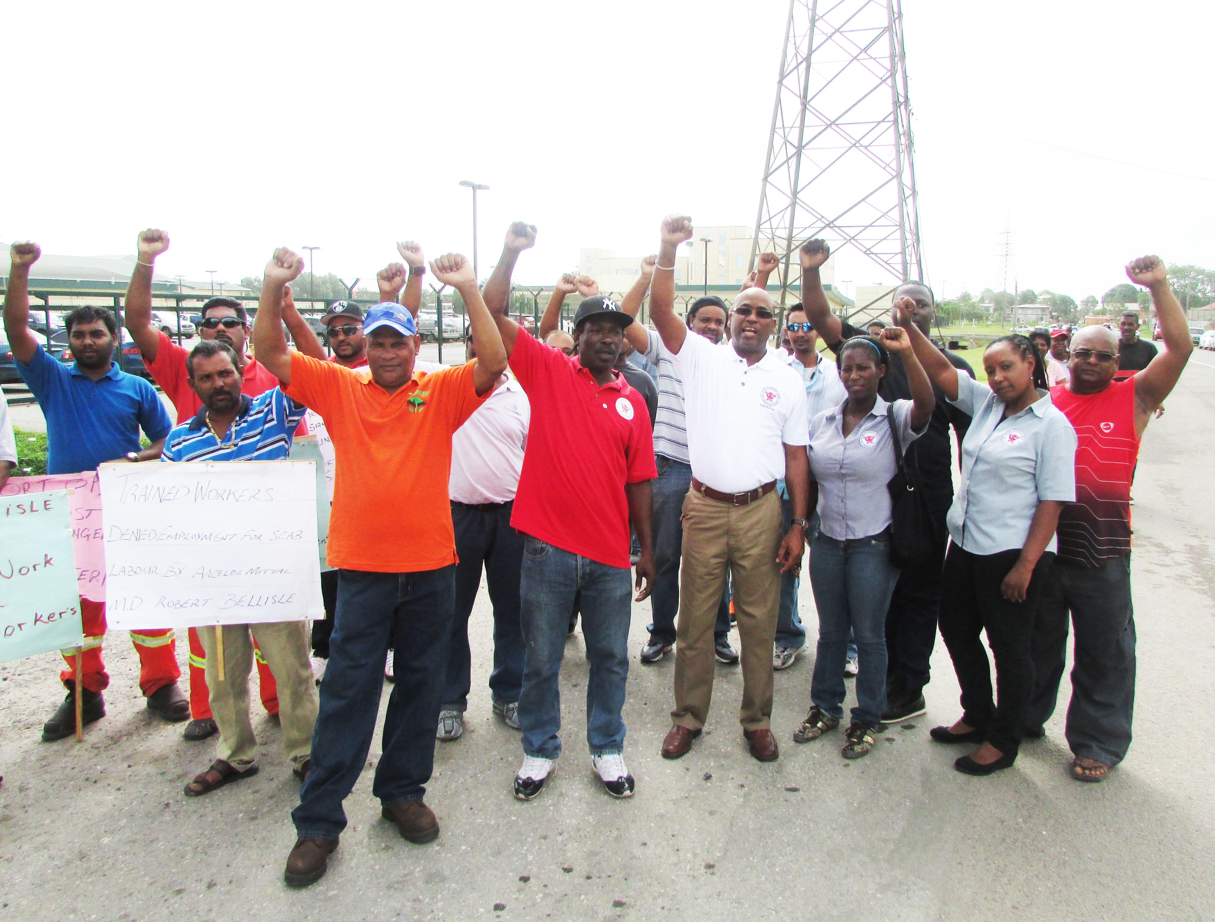 industriall se solidariza con los trabajadores de trinidad